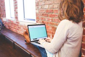 "Bild von <a href=""https://pixabay.com/de/users/startupstockphotos-690514/?utm_source=link-attribution&utm_medium=referral&utm_campaign=image&utm_content=849828"">StartupStockPhotos</a> auf <a href=""https://pixabay.com/de/?utm_source=link-attribution&utm_medium=referral&utm_campaign=image&utm_content=849828"">Pixabay</a>"